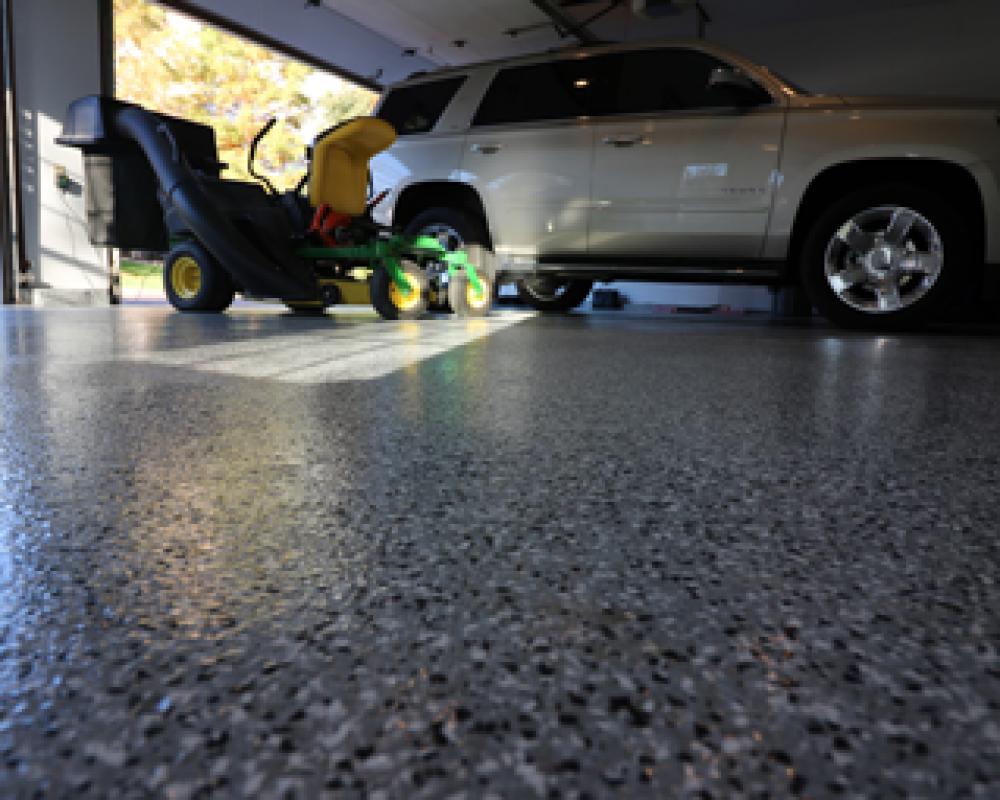 epoxy-garage-floor_optimized-382x255